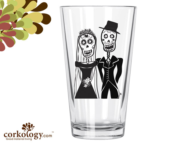 Los Novios Pint Glass